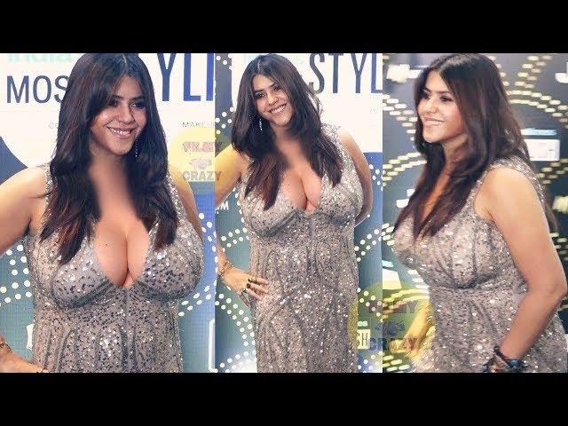 Bollywood Actress Look STUNNING At HT Style Awards 2019 thumbnail