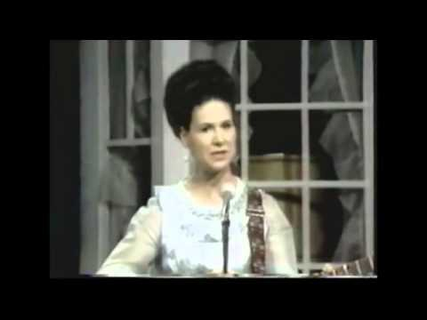 Kitty Wells - I Heard The Jukebox Playing