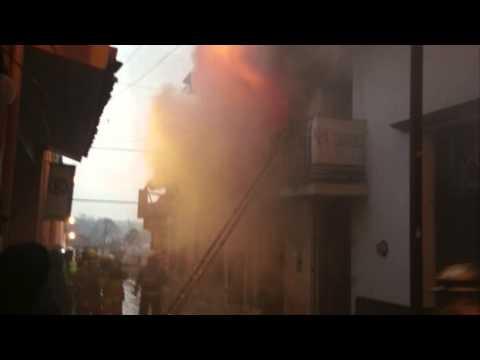Pérdidas materiales por incendio en edificio del centro de Xalapa