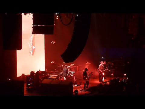 Queens of the stone age live dusseldorf 2013 i appear missing full