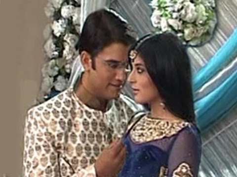 Nidhi & Dr Ashutosh's ROMANTIC HONEYMOON in Kuch Toh Log Kahenge 17th May 2012