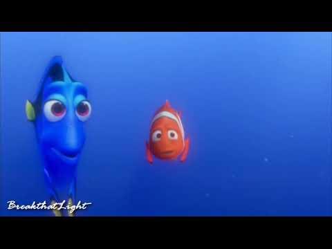 Finding Nemo - Dory praat de taal van de walvis. (NL).