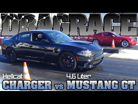 Hellcat SRT8 Charger vs Mustang Gt 4.6 drag race clocks-on 2016