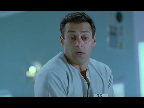 Salman's Cleaning Task Comedy - Kyon Ki