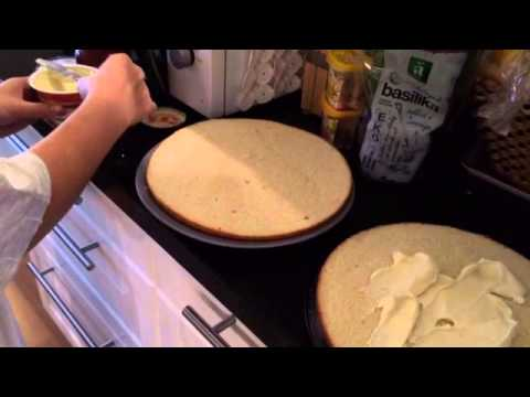 เค้กกับขนมไข่นกกระทาจ้า
