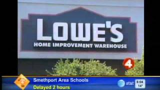 Lowes to cut 1,700 positions