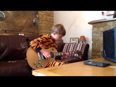 El niño de 10 años que toca la guitarra como B.B. King