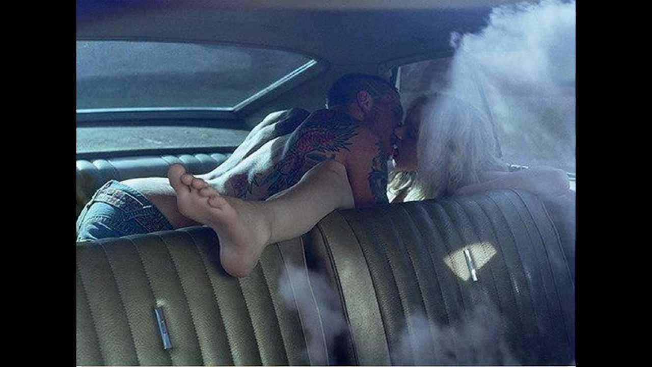 Поцелуи в машине порно 4 фотография