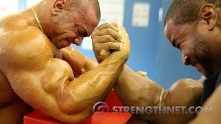 Arm Wrestling: Anthoneil vs Tristen