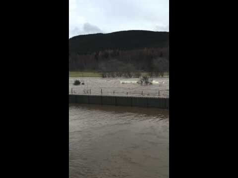 River Dee - Caravan in the Ballater floods 2015