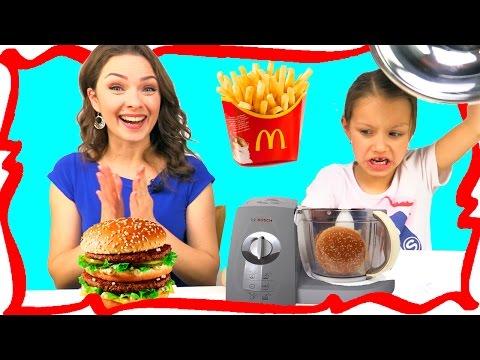МАКДОНАЛЬДС против БЛЕНДЕРА Челлендж MCDONALDS VS BLENDER CHALLENGE Video For Kids /// Вики Шоу