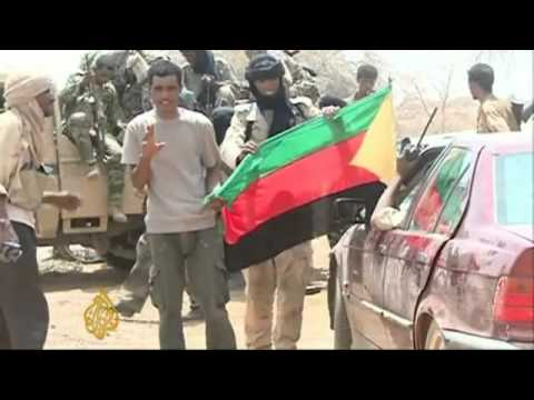 Mali coup leaders call for transition talks - YouTube.flv