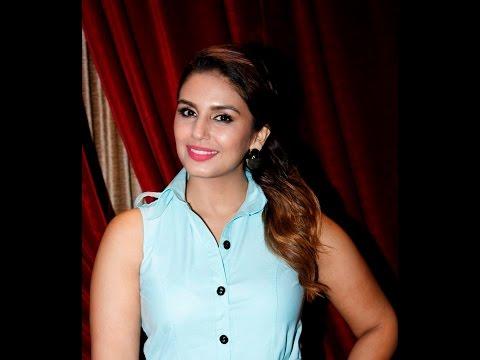 Badlapur Actress Huma Qureshi Says Umesh Vinayak Kulkarni Is A Amazing Filmmaker, Must Watch Video!