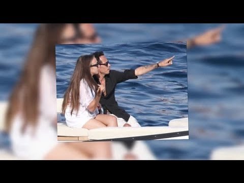 Marc Anthony and Chloe Green Enjoy a Romantic Holiday in Italy - Splash News