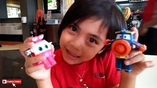Serunya Makan Siang di KFC Chaki Kids Meal, Mainannya Lucu Sekali Robot Trains