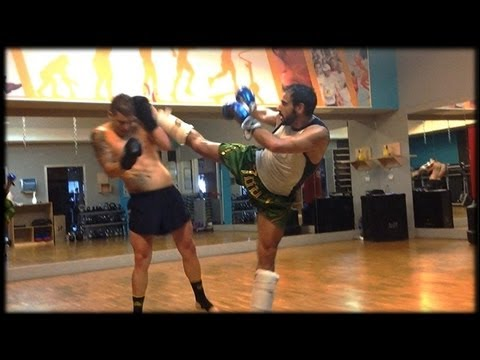 Kickboxing Training + Combo Image 1