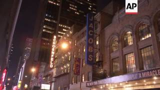 Broadway dims lights to honor Carrie Fisher, Debbie Reynolds