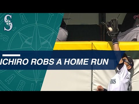 Ichiro turns back time to rob a home run in Seattle