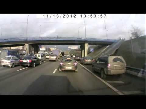 Авто замминистра МВД устроило на дороге дуэль