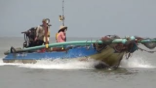 dùng võ lãi máy xe đi biển bắt cá /fishing