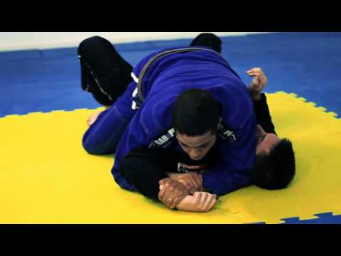 BJJ Lesson 06 - Americana Arm Lock from Mount - Brighton Brazilian Jiu Jitsu - www.bbjj.co.uk