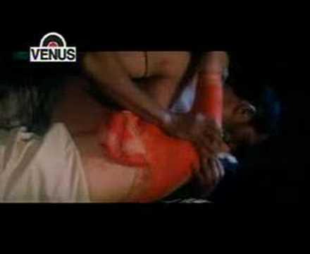 ayesha jhulka love scene