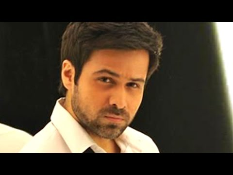 Emran Hashmi Fan Kissed him On Sets Of TV Show Video