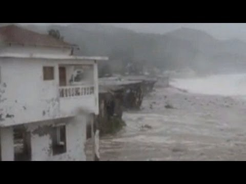 Hurricane Sandy Hits Jamaica on Path Toward Cuba, Florida