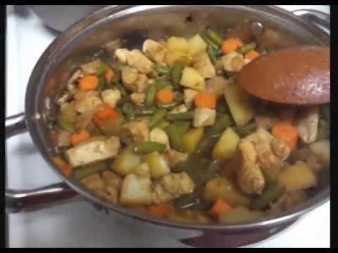 RECETA de pollo con verduras.