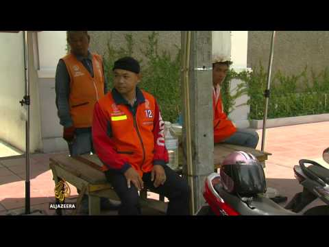 Political turmoil hurts Thai economy