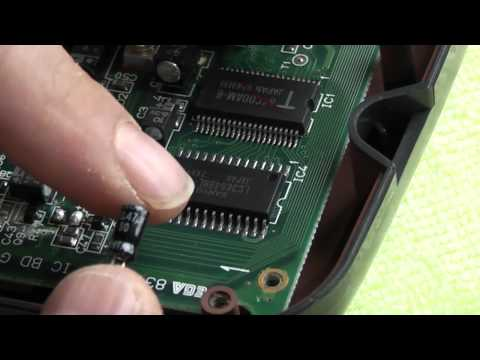 Sega Game Gear Tutorial - LCD Screen Fix - Replacing Main Board Capacitors