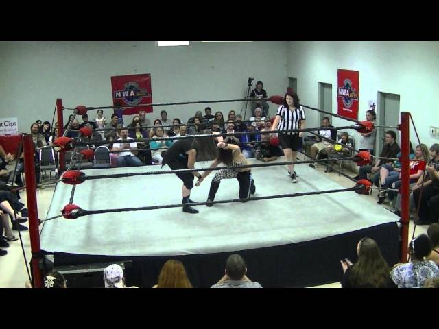 ECCW: Vindicated [07/27/2012] - Raven Lake vs. Nicole Matthews