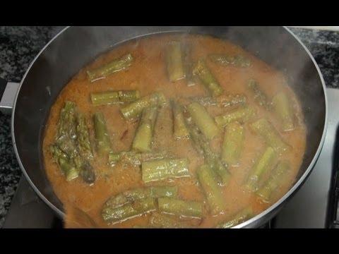 Esparragos verdes con salsita. Vídeo receta 89 Aquí cocinamos todos. Cooking recipe