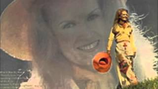 Watch Lynn Anderson I Honestly Love You video