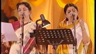 Lata & Usha Mangeshkar - Gore Gore O Baanke Chore (Live Performance)