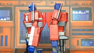 Magic Square MS-01 Light of Freedom vs Hasbro MP-10 Optimus Prime