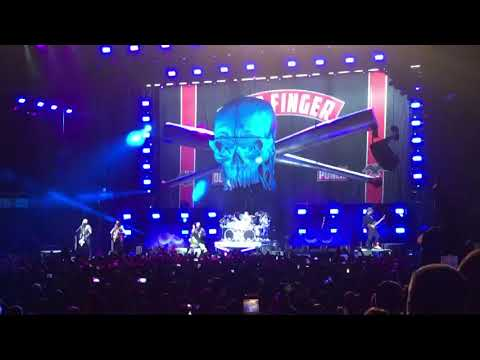 Download  Five Finger Death Punch opening+Lift Me Up live Knoxville Tennessee Gratis, download lagu terbaru