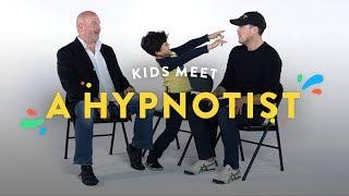 Kids Meet a Hypnotist | Kids Meet | HiHo Kids