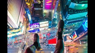 ROOFTOP IN TIME SQUARE NEW YORK CITY INSANE !!
