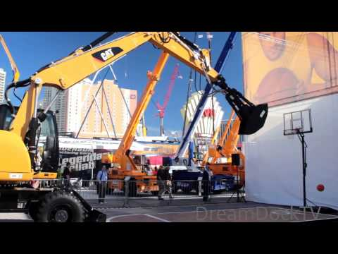 EXCAVATOR PLAYING BASKETBALL CATERPILLAR SKILL CHALLENGE CONEXPO LAS VEGAS