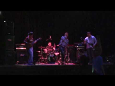 Brown Sugar Cover - The Mighty Helmets.wmv