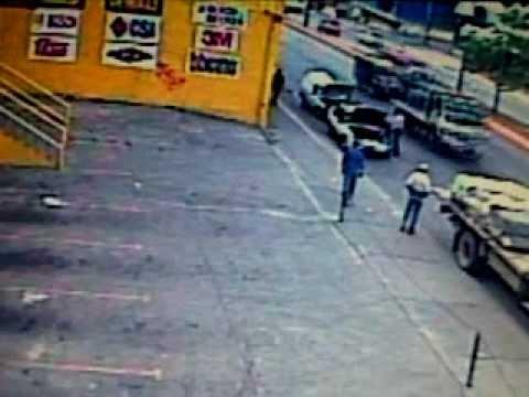 Video del asesinato del funcionario de la Policia Nacional en la Yaguara