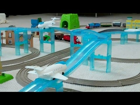 Trackmaster Thomas & Friends SODOR AIRPORT TRAIN SET kids Toy Train Set Thomas The Tank Engine