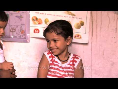 Kids Reciting Hindi Poem machli Jal Ki Rani video