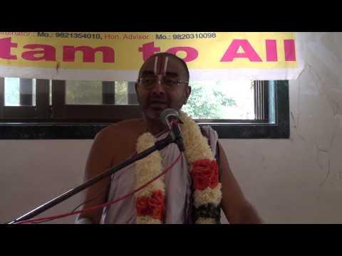 Sri U. Ve. Velukkudi Krishnan - Inraiya Vaazhkkai Neri - December 13, 2014 video