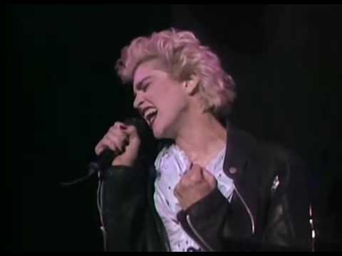 Madonna - Papa Don't Preach Live (ciao Italia) video