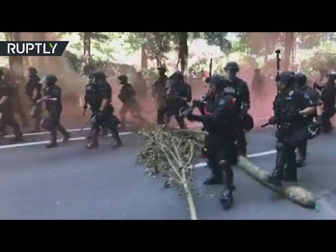 Portland protest: Clashes erupt as Patriot Prayer & Antifa stage rival rallies