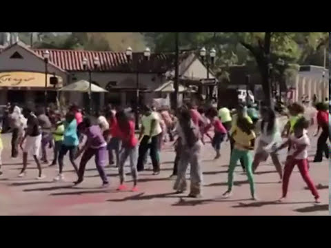 Amazing Gospel Flash Mob -- Let's Mob the Streets for Jesus