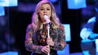 Download Lagu Kelly Clarkson Slays TWO F#5s on 'The Voice' Duet w/ Brynn Cartelli Gratis STAFABAND