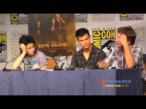 New Moon Press Conf Comicon 2009 Part 3 Video